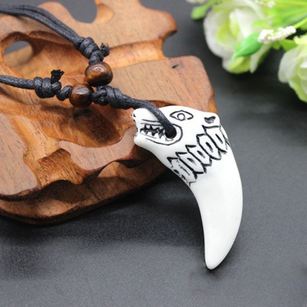 Resin Simulated Wolf Tooth Design Necklace
