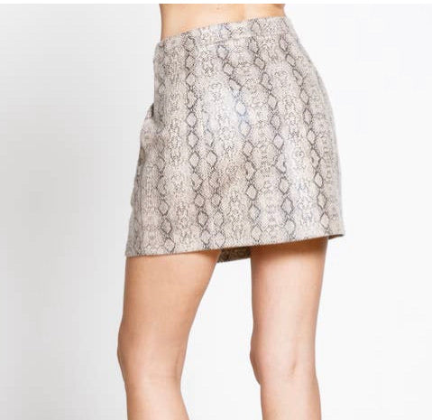 SNAKE PRINT POCKET DETAIL COVER FRONT MINI SKIRT