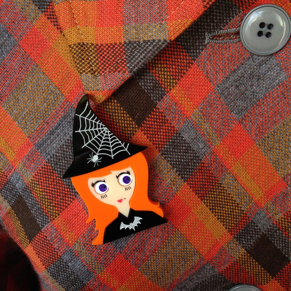 VICKY Halloween Acrylic Brooch, the little witch. - Isa Duval