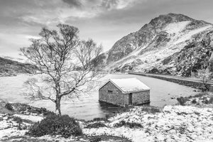 Llyn Ogwen - A Winter's Day B&W