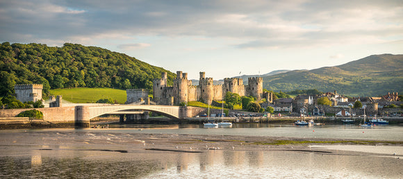 Conwy Castle, Harbour & Quay - Panorama