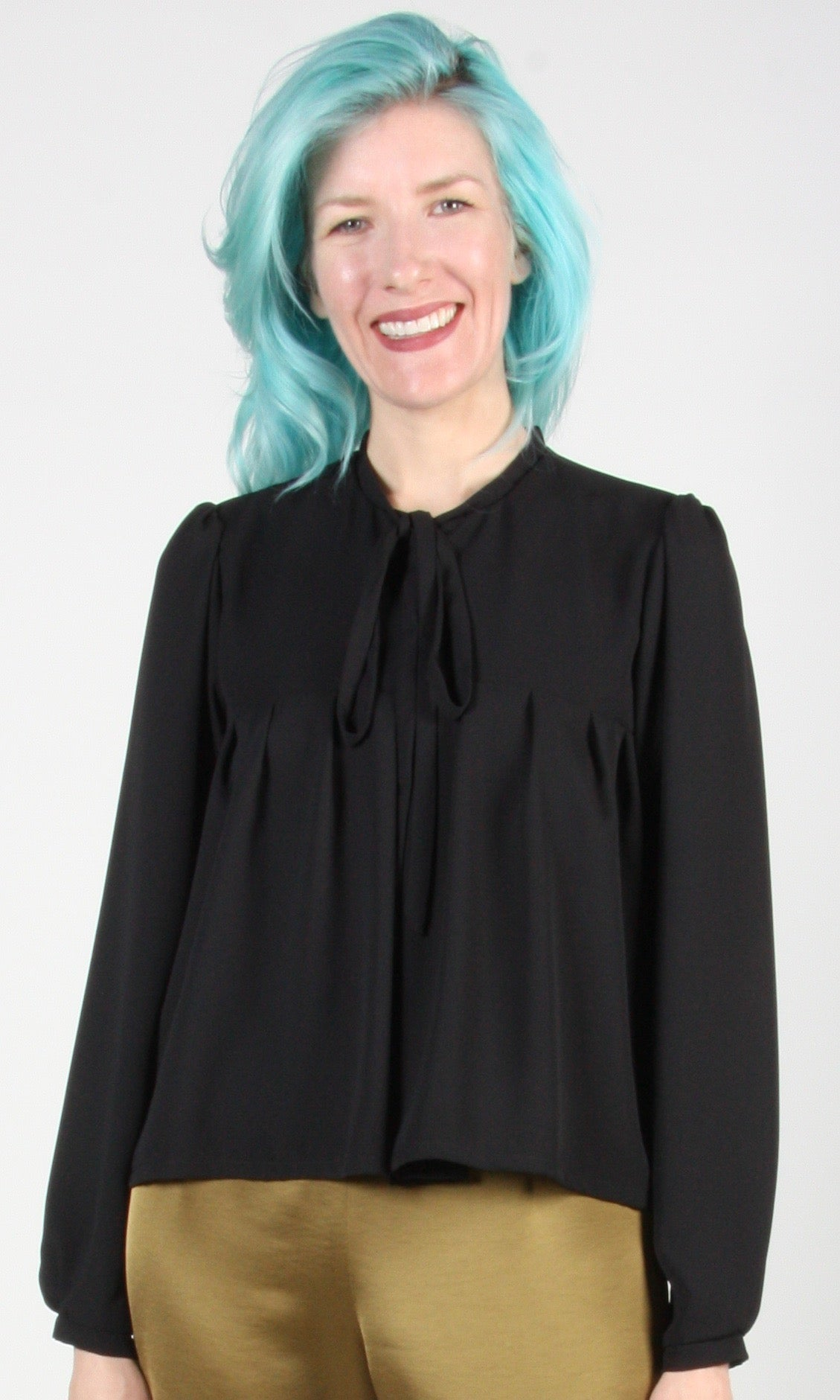 Circinae Top - Black