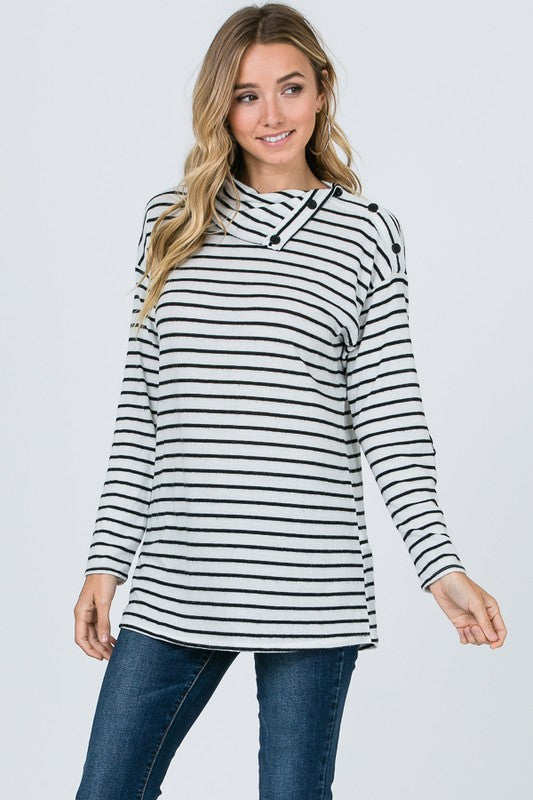 B/W Stripe Button Neck Top
