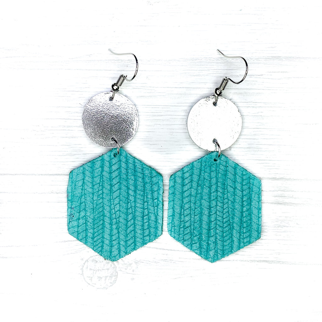 Savvy Bling Turquoise Textured Earrings