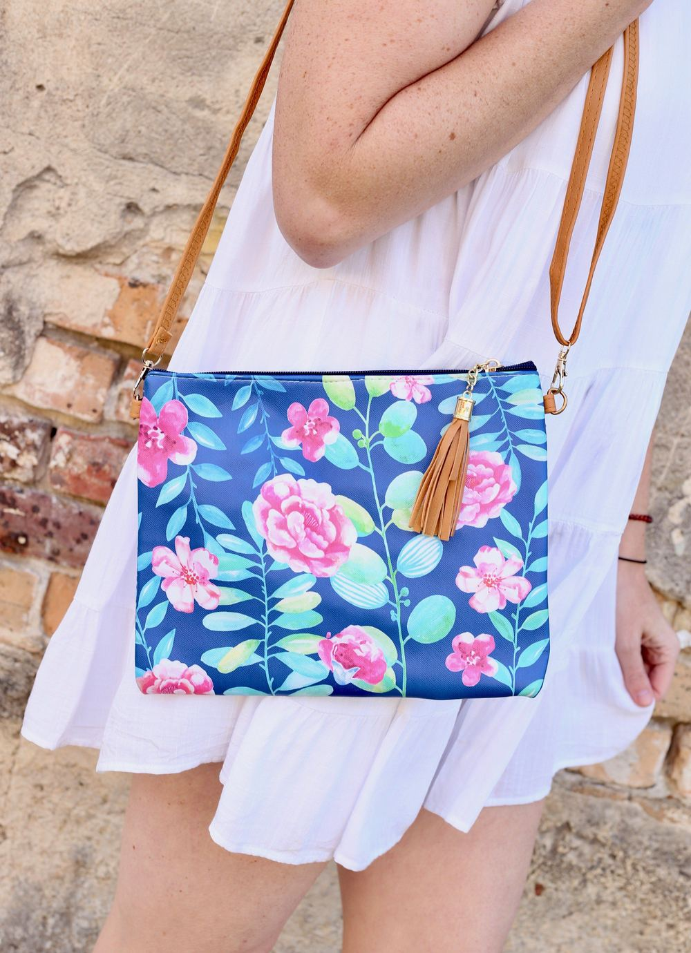 Seachaser Crossbody/Clutch Navy Floral