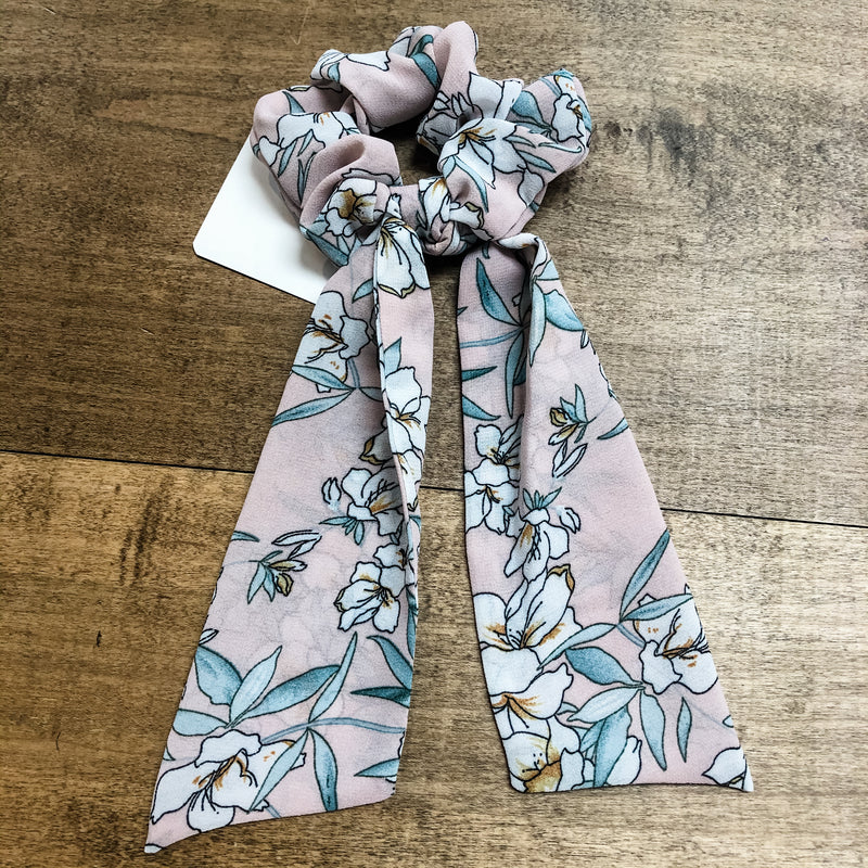 SCRUNCHIE SCARVES-Light Mauve Floral