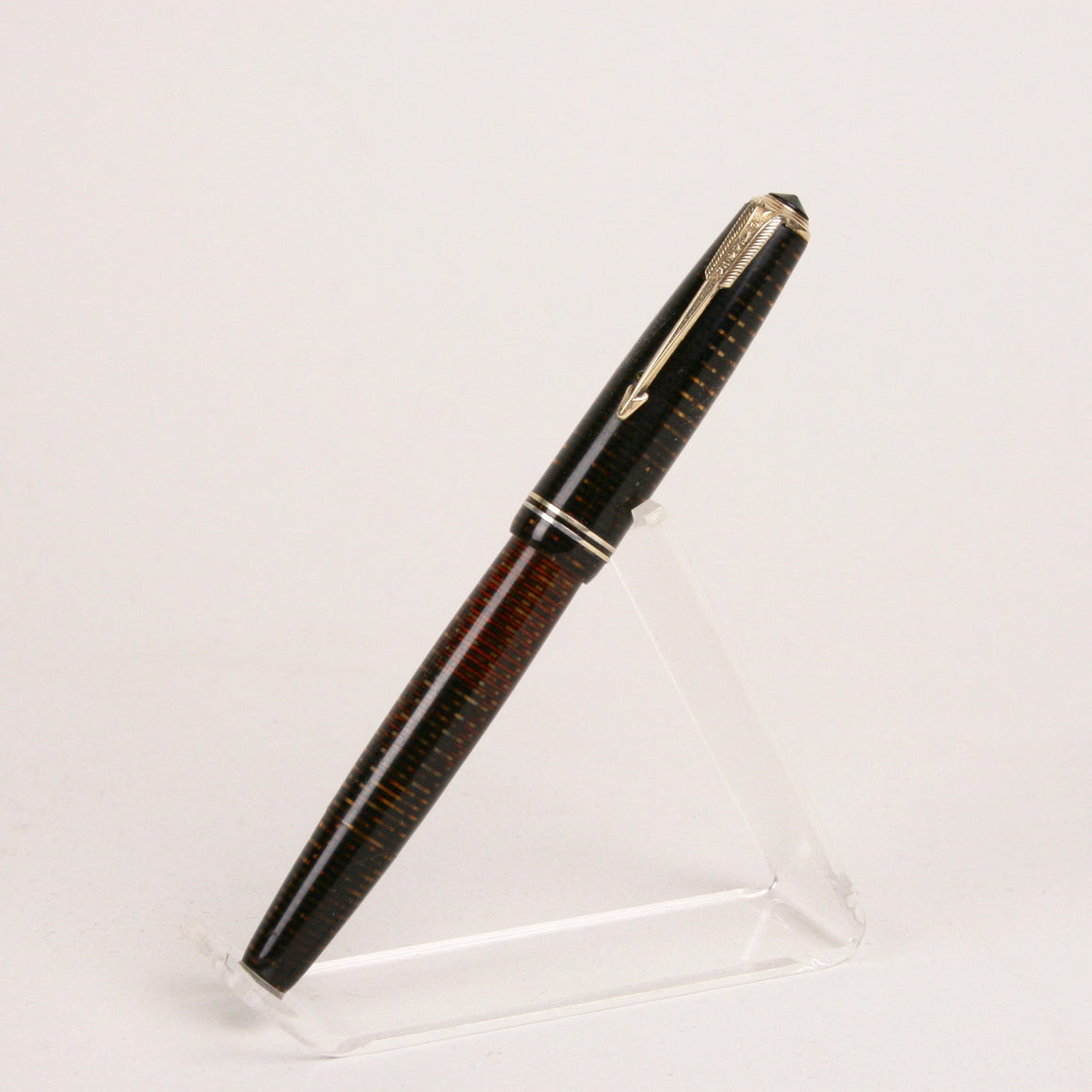 Parker Vacumatic Fountain Pen in Golden Pearl, Fine Gold Arrow Nib,Restored and Tested