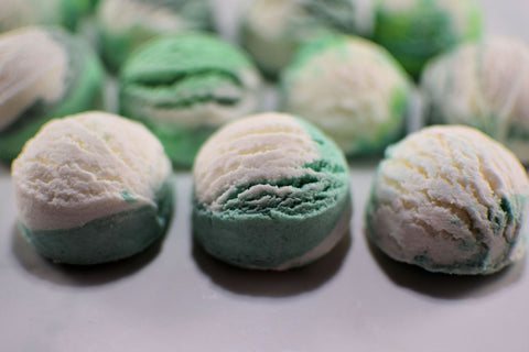 Peppermint Bubble Scoops