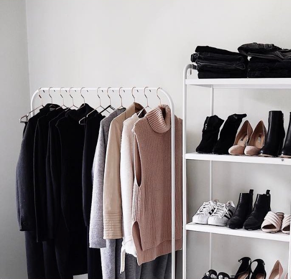 Guide to Essentialism: Wardrobe Edition
