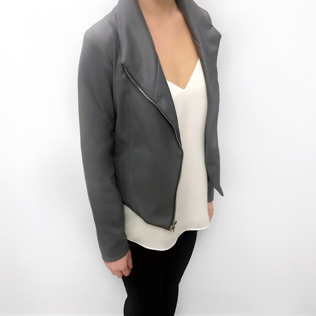 This power grey moto jacket is your go-to piece for your perfect work uniform