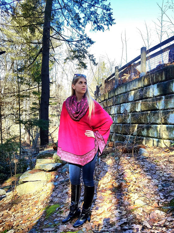 100% Superfine Alpaca - Hooded Poncho 'Saya' - Hot Pink