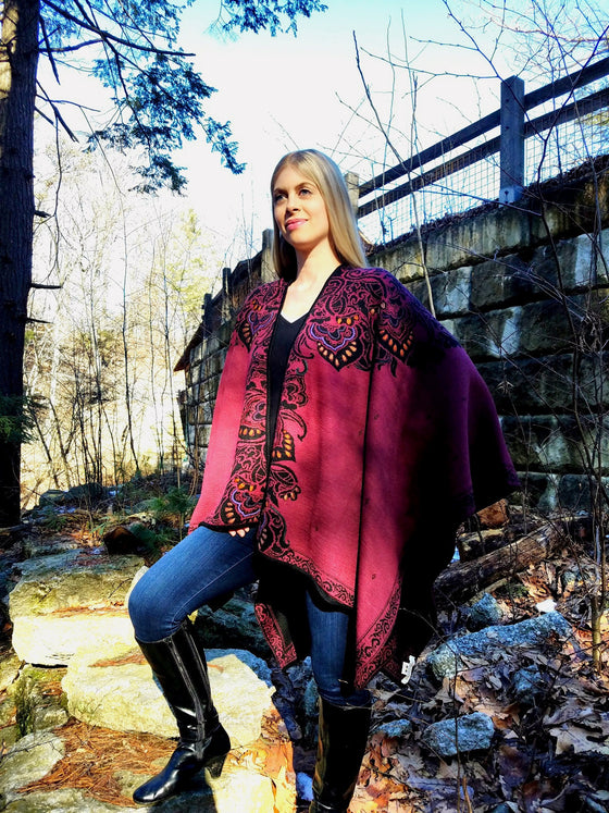 100% Baby Alpaca - Reversible Wrap Ruana 'Sumaq' - Garnet Red / Black