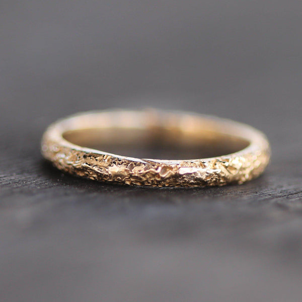 Sand textured golden band