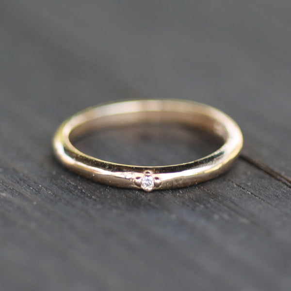 Diamond golden wedding band