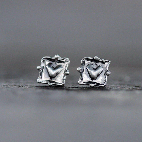 Ancient Love Studs <li> Silver
