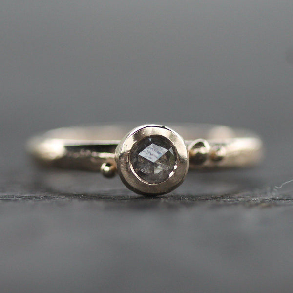 Coastal droplet ring in 14k yellow gold