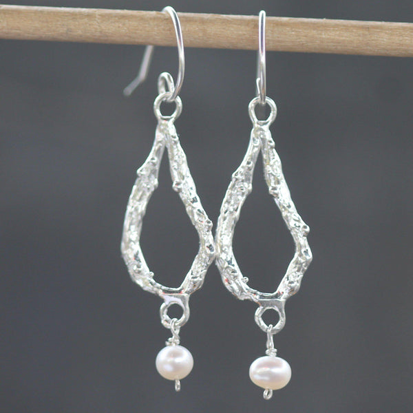 Ashera Pearl Earrings <li> Silver