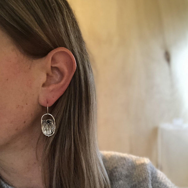 Atlantis Earrings <li> Silver