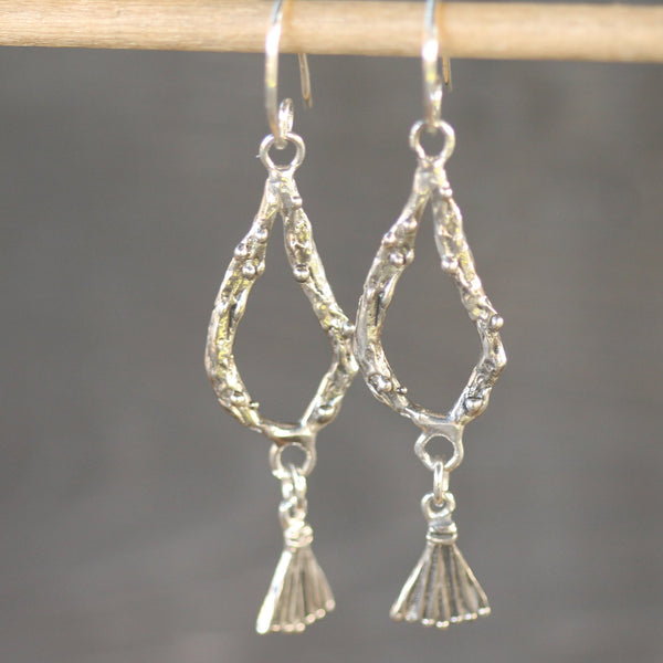 Ashera Earrings <li> Silver