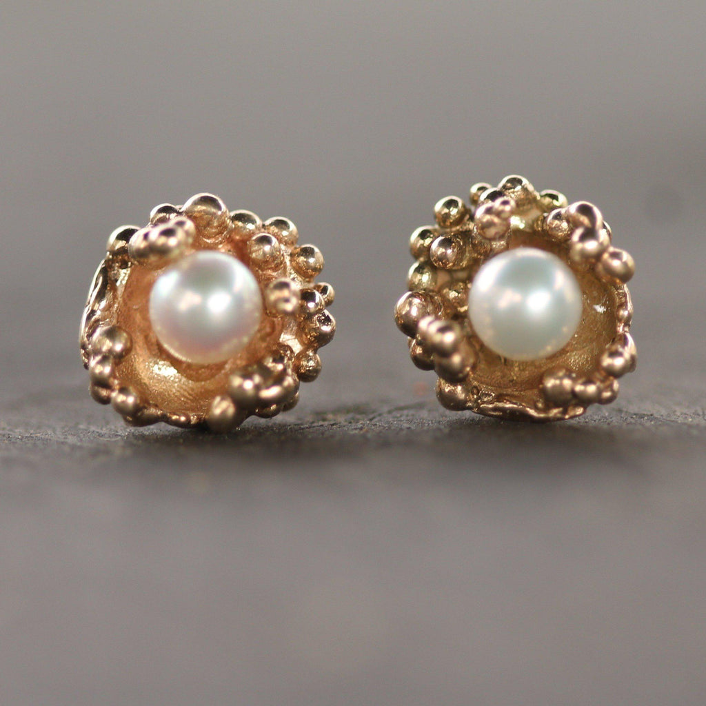 Freshwater cultured pearls set in golden ocean bubbles