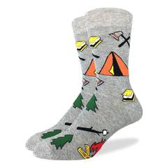 These fun socks feature camping essentials such as a tent, marshmallows on sticks, a camp tire, smores, and an axe. The rest of the sock is a light speckled grey. Spandex added to the 85% cotton blend gives the socks the perfect amount of stretch to hug your feet.