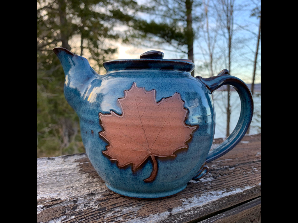 Maple Leaf Tea Pot