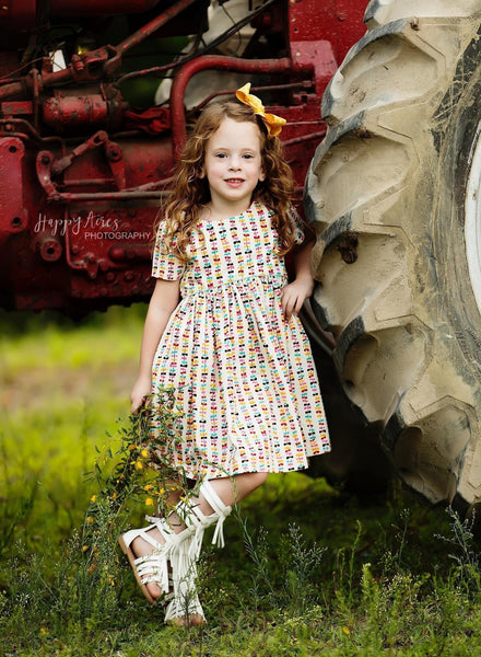 Girls Dress - Go Fly A Kite Vintage Beehive Dress