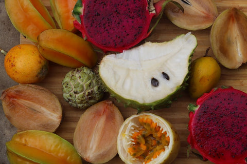 🌈What's in season for December + SOURSOP GOODNESS 🌳