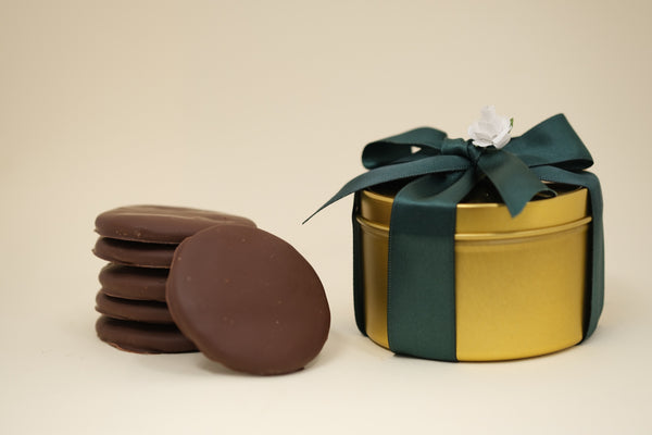Mother's Day gift chocolate cookie tin. Best gift for Mother's Day