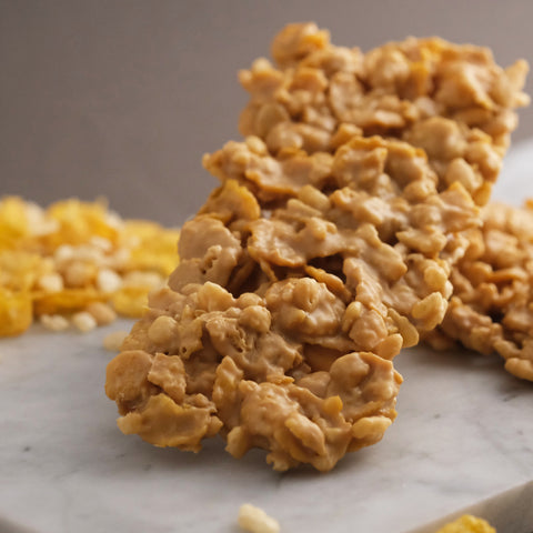 Blond chocolate and cereal bar