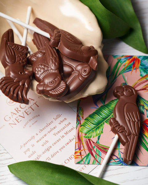 Milk chocolate birds lollipops in Miami