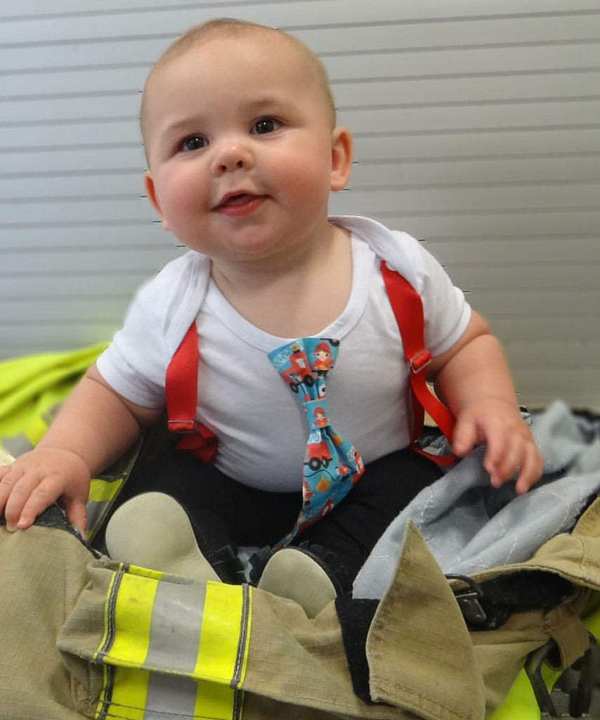 Fire Truck First Birthday Outfit Baby Boy - Fireman Party - Firefighter Birthday - Fire Engine Shirt - Daddy is a Firefighter Baby Shower - Noahs Boytique