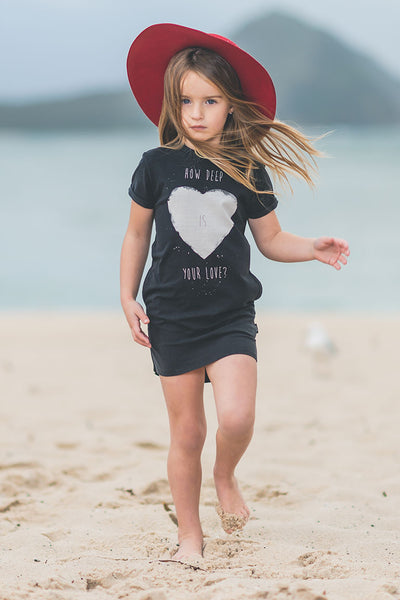HOW DEEP IS YOUR LOVE T-SHIRT DRESS
