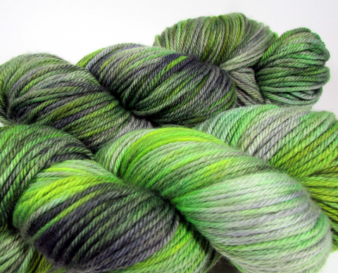 Squish Like Grape Worsted yarn in Zombie colorway