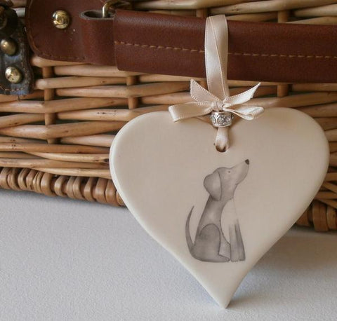 Ceramic heart with design of labrador dog