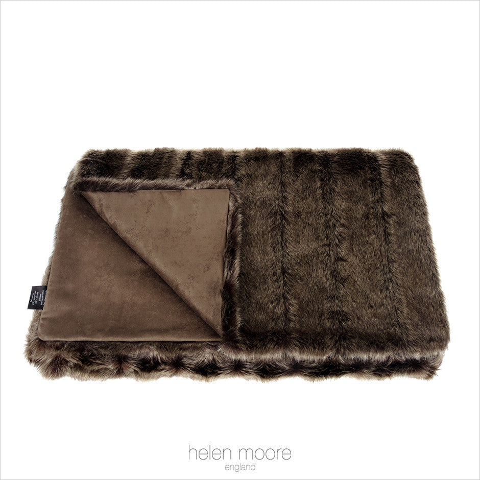 Oregon Faux Fur Throw