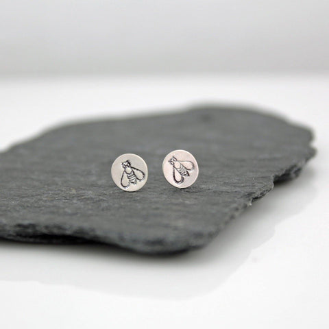 Sterling Silver Circle Bee Stud Earrings - insideout-home
