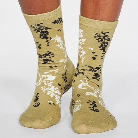 Orpha Bamboo Womens Floral Socks Pear Green - insideout-home