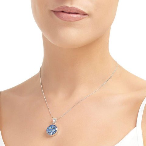Medium Forget Me Knot Round Pendant - insideout-home