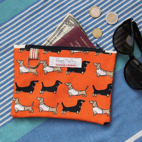 Dachshund Flat Purse With Keyring - insideout-home
