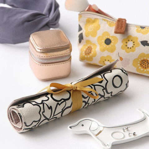 Doodle Flower Travel Jewellery Roll - insideout-home