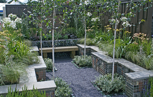 Seven quick and easy ways to transform a courtyard garden