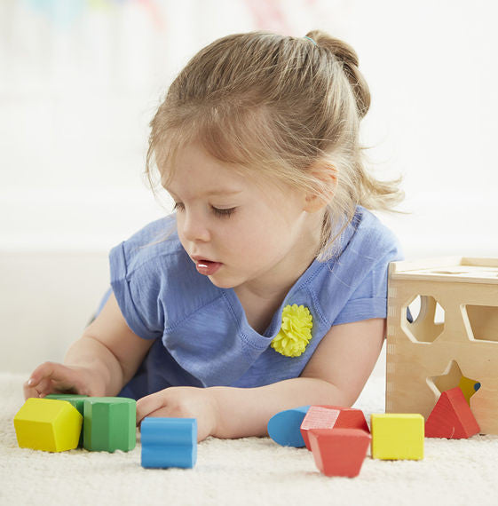Shape sorting cube -  Melissa & Doug -educationaltoys.ie