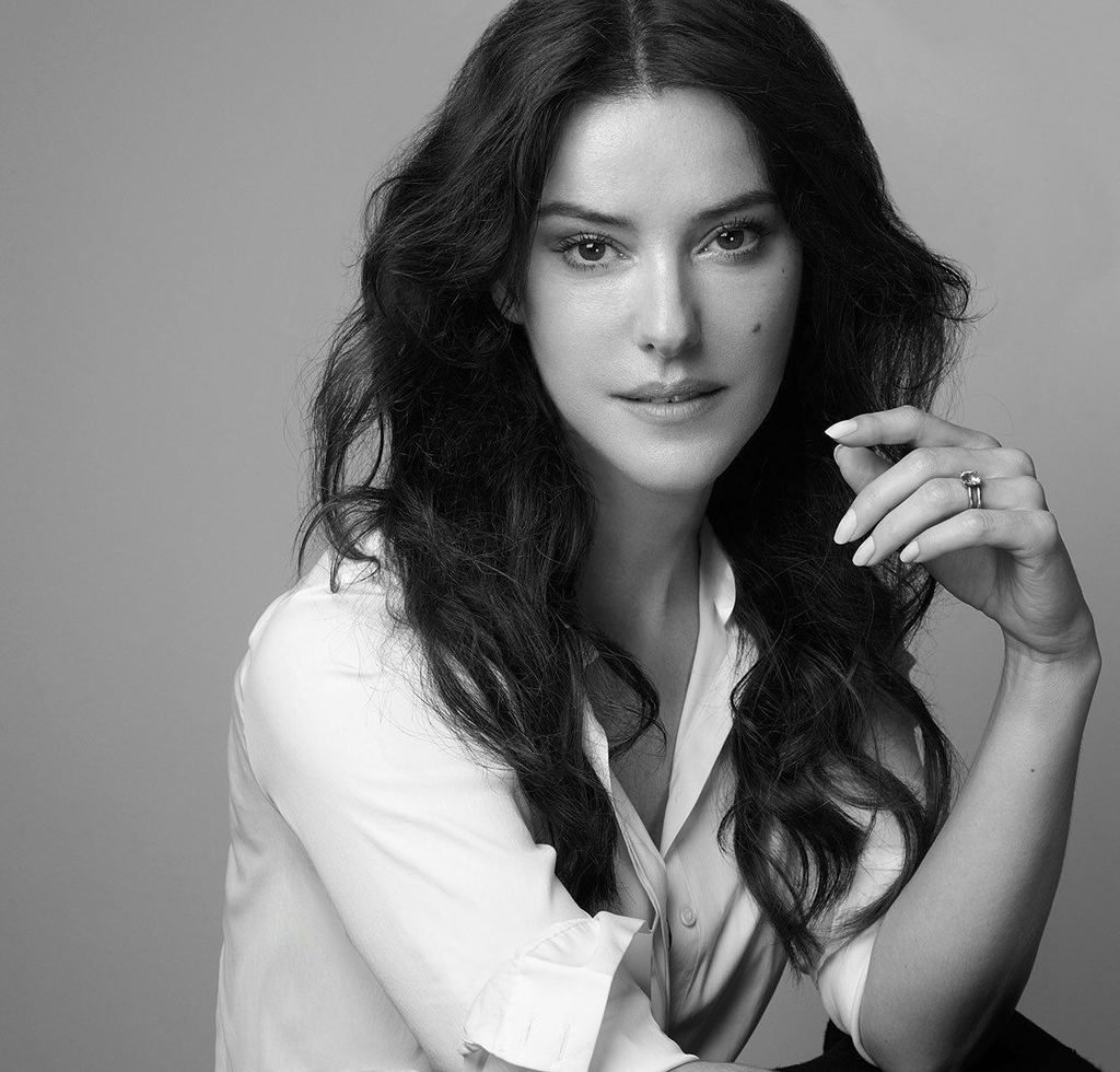 Lisa Eldridge's Video Review of Natural and Organic Cleansers