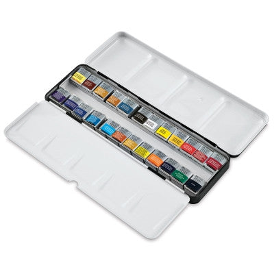 Winsor & Newton Professional Lightweight Sketchers' Black Box - 24 Half Pans