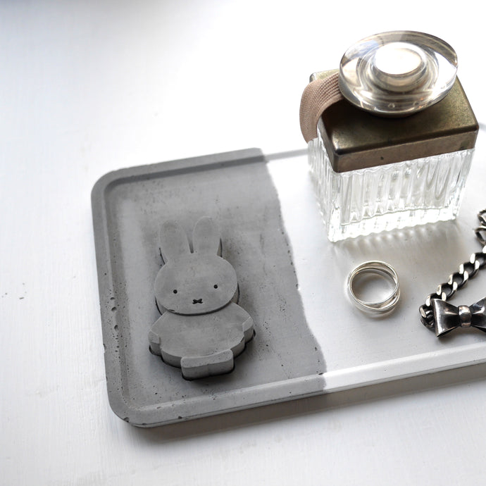 Miffy concrete tray