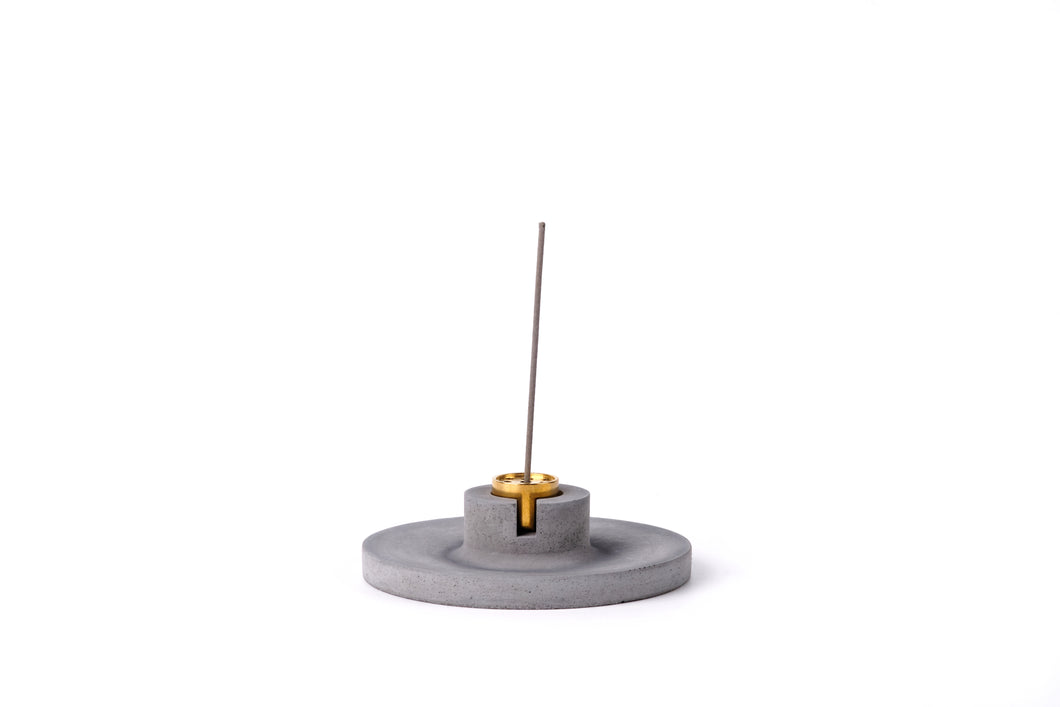Concrete incense stick holder with brass (disc) -