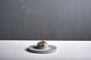"Concrete incense stick holder with brass (disc) - ""grey"""