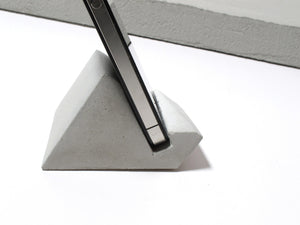 Concrete mobile phone viewing stand (Geometric design)