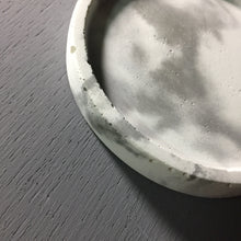 Marble pattern (white) -  concrete tray / accessory holder in Round shape
